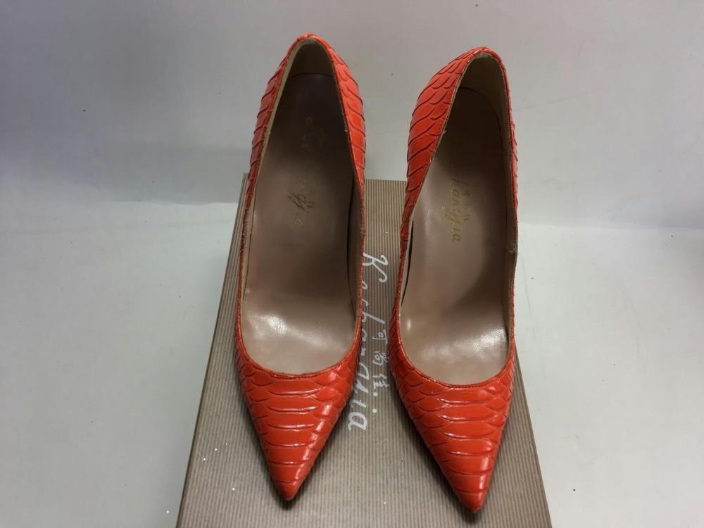 Keshangjia الأزياء بو الجلود عالية الكعب النساء مضخات sanke الطباعة مضخة أحذية الزفاف واشار تو العمل-في أحذية نسائية من أحذية على  مجموعة 2