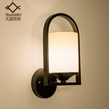 המדינה LED נורדי מרפסת מדרגות מעבר מנורת קיר מנורת רטרו מודרני מינימליסטי חדר שינה מנורה שליד המיטה מנורת קיר