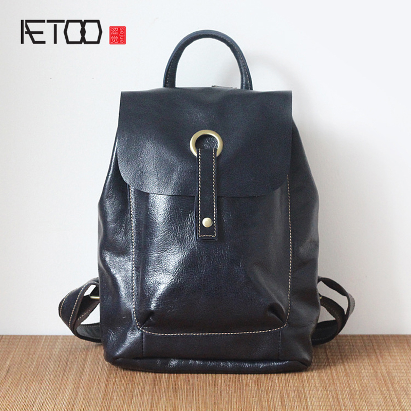 AETOO New fashion leather shoulder bag female Korean trend of the first layer of leather casual female backpack korean version of the first layer of leather vertical section square shoulder messenger bag in the bag fashion casual tassel lea