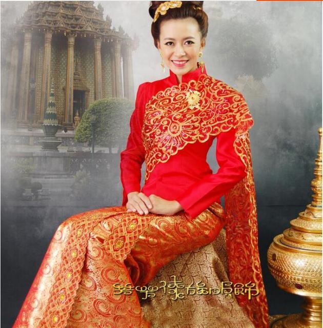 9ec4be2bea Tailandia tradicional vestido de novia Rojo Alta Calidad Tailandia mujeres  ropa rojo bordado vestido de noche