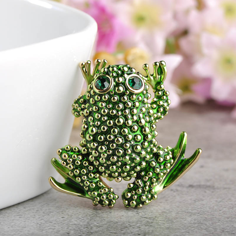 Blucome Fashion Toad Frog Brooch Green Eyes Animal Brooches Women Kids Birthday Gifts Clothes Suit Collar Coat Pins Bijuterias