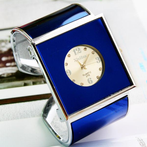 Brand XIRHUA Women's Fashion Square Dial Quartz Bangle Gift Watches For Ladies S
