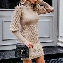 Женское вязаное платье свитер с высоким воротником и рукавами фонариками