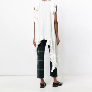 Image 2 - Xitaoノースリーブ不規則な白tシャツセクシーな女性の衣服oネックパッチワークフリル裾女の子ヒッピーシックなtシャツ新LJT3008