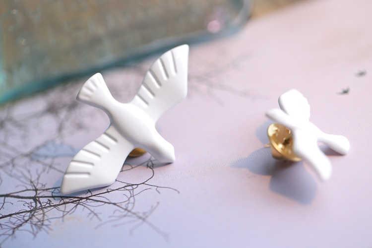 2019 Panas Baru Korea Fashion Logam Seni Putih Dove Peace Dove Bros Korsase Kerah Pin Lencana untuk Wanita & Pria perhiasan