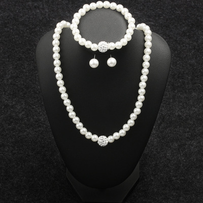 3 Pieces Luxurious Women Round Crystal Necklace&Ear Stud&Chain Bracelet White Pearl Chokers Necklaces Jewel Necklaces For Ladies
