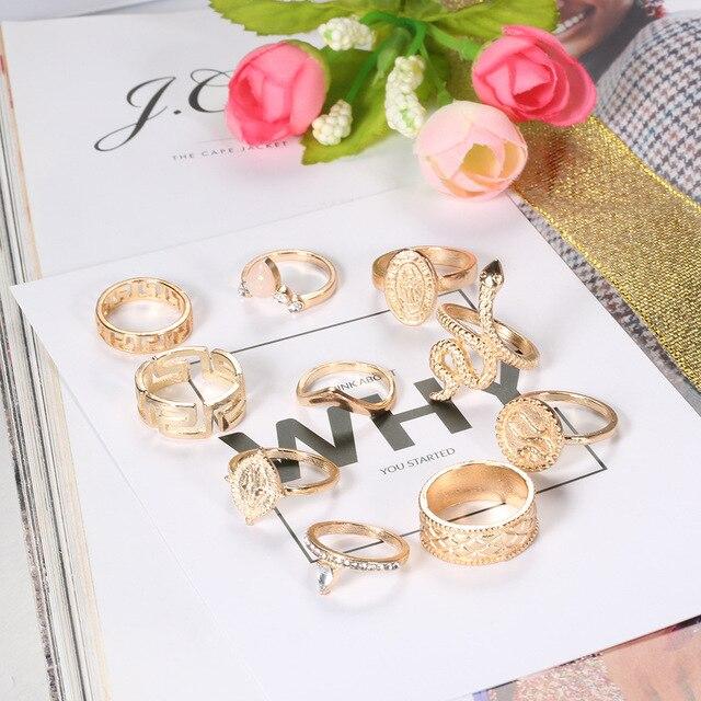 10 unids/set Retro disco estatua hueco geométrico corona cascabel anillo tallado oro serpiente anillo conjunto de joyería