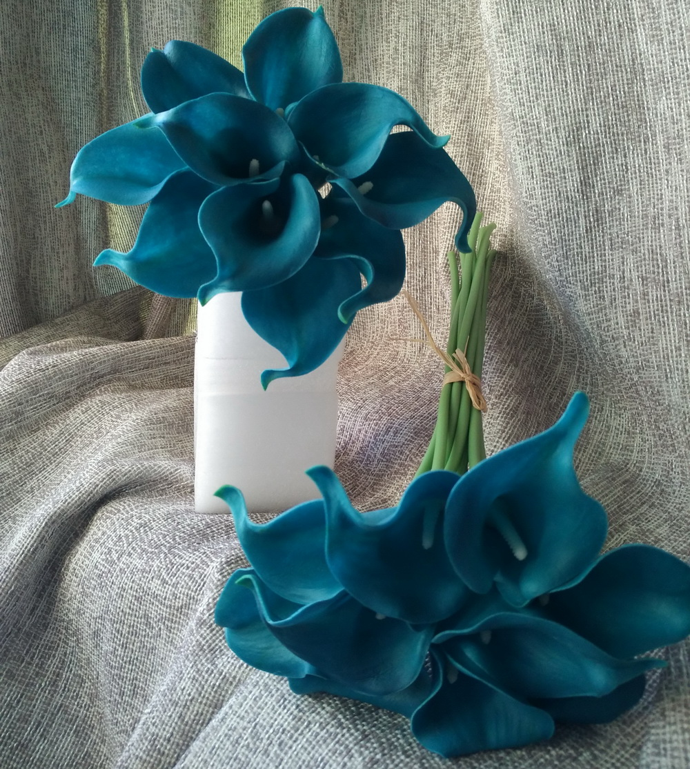 Popular centerpiece arrangements for weddings buy cheap 10 stems teal calla lilies bouquet flowers real touch teal blue calla lily latex wedding flowers dhlflorist Gallery