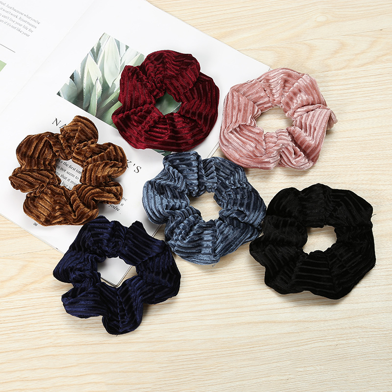 New Arrival Fashion Women Lovely Velvet Soft Hair Band Cute Hair Scrunchies Girl's Basic Hair Tie Accessories Ponytail Holder