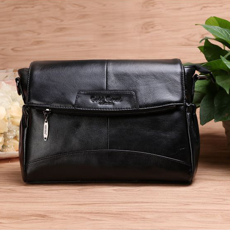 GOLD CORAL Luxury Handbags Women Bags Designer Genuine Leather Messenger  Bags Shoulder Crossbody Bag Female 2018 Sac a main-in Top-Handle Bags from  Luggage ... 3ef76b4b56