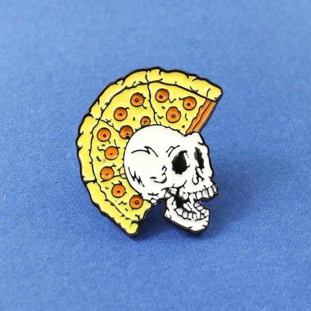 Divertimento Pizza Taglio di Capelli Del Cranio Scheletro spilla Giallo Scheletro Distintivi e Simboli Smalto Personalizzato Spilli Spille per le Donne Degli Uomini Pizza Amante Dei Monili di