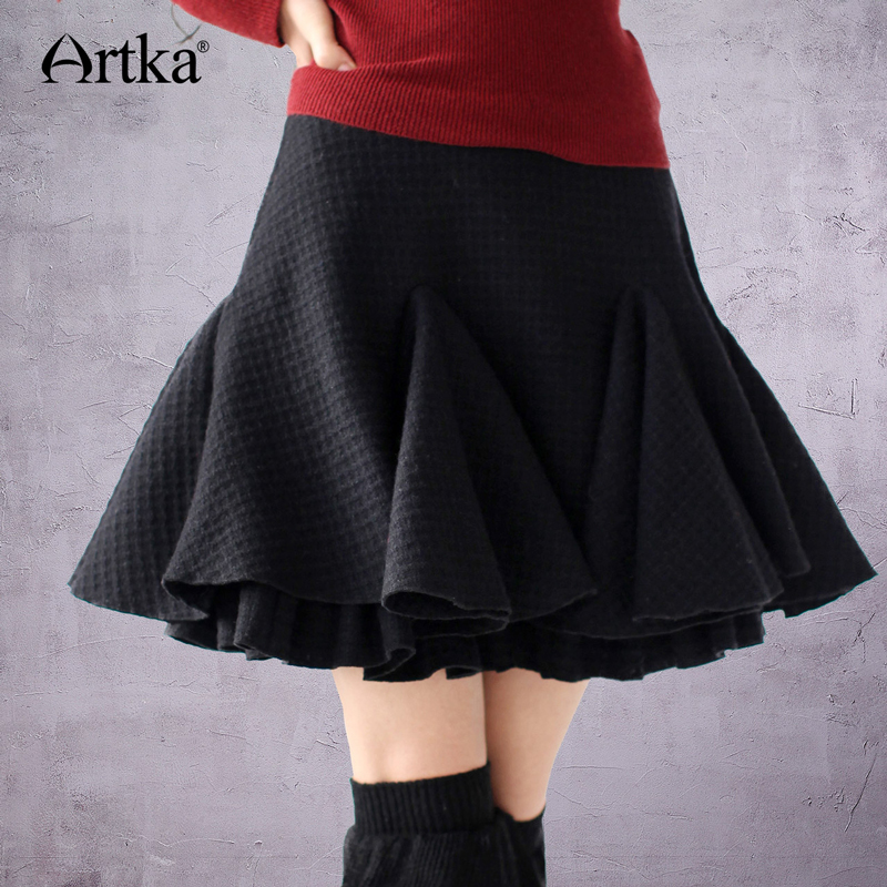 ARTKA Women's Autumn Casual Solid Style Sheds Double Layer Fish Tail Pleated Woolen Above Knee  Half-Length Skirt  A09703
