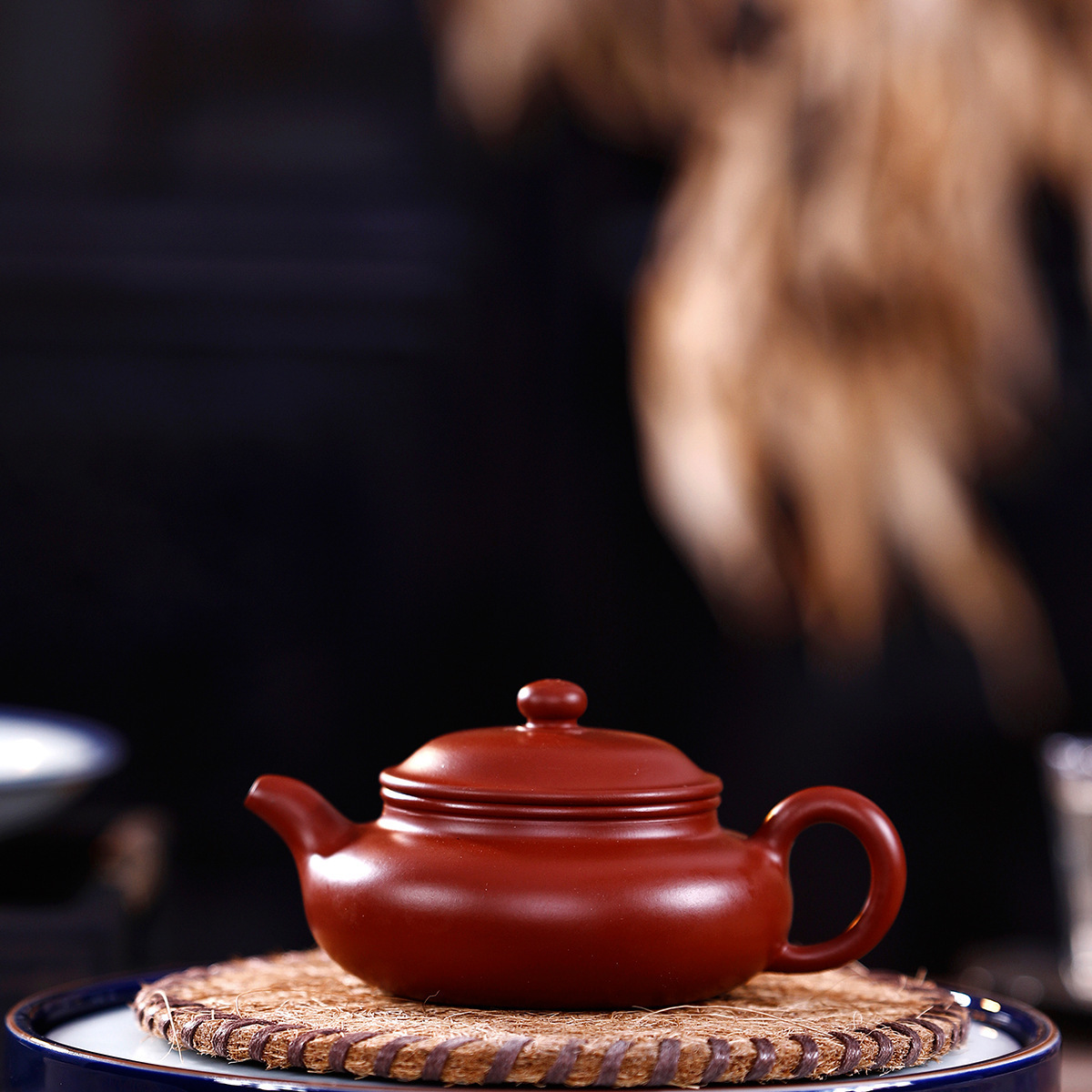 Full Manual Raw Ore Bright Red Robe Flat To Fake Something Antique Kettle Kungfu Online Teapot Tea Set Infusion Of Tea GiftFull Manual Raw Ore Bright Red Robe Flat To Fake Something Antique Kettle Kungfu Online Teapot Tea Set Infusion Of Tea Gift