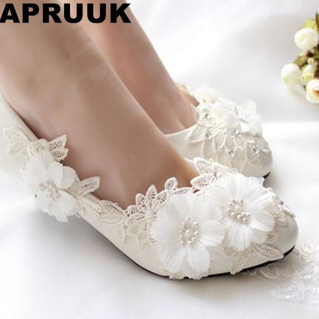 Fashion White Lace Flowers Wedding Shoes Woman Handmade Low High Heels Round Toes Bridal Brides