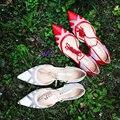 Красный геометрический узор Обувь Одного сексуальная острым носом квартиры зашнуровать женщин повседневная Обувь 2016 Новые Моды Женские Туфли