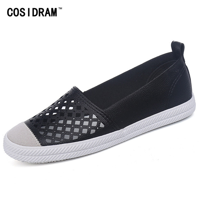 2017 Summer Hollow Outs Women Casual Shoes Breathable Flat Heels Vulcanize Women Shoes Slip On Fashion Ladies Footwear SNE-538