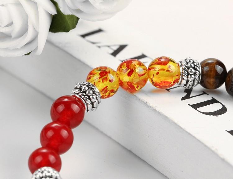 Bracelet 7 chakras, pierres semi-précieuses, gros plan