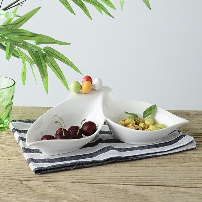 Divisions en céramique en forme de feuille assiette de Fruits avec fourchettes décorative porcelaine Caddy Snack vaisselle et vaisselle salon