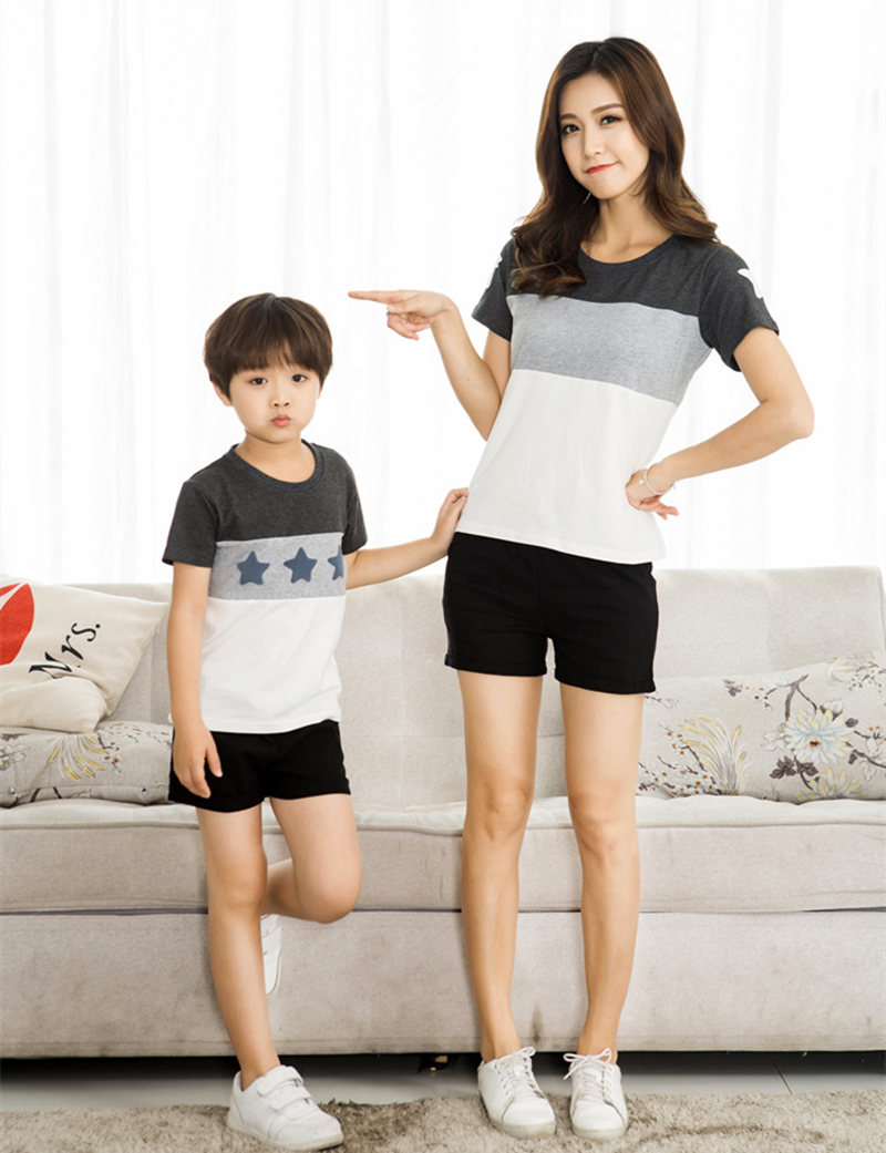 HTB1bpFoXc0051JjSZFDq6xnLpXaE - Family Look Summer style Short-sleeve Star T-shirt For Mother Daughter And Father Son Clothes Family Matching Clothes