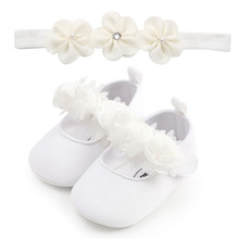 First Walkers Newborn Infant Baby Sneaker Girls Boys Lace Hook Soft Sole Prewalker Shoes With Beautiful Flower Free Headband(China)