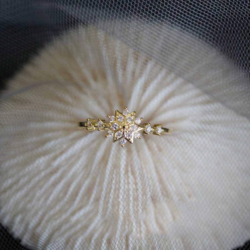 Top Rhinestone แหวนเพชรสำหรับผู้หญิงเก๋น่ารัก Snowflake สาว Internet Sensation แหวนงานแต่งงานที่ละเอียดอ่อนเครื่องประดับดอกไม้