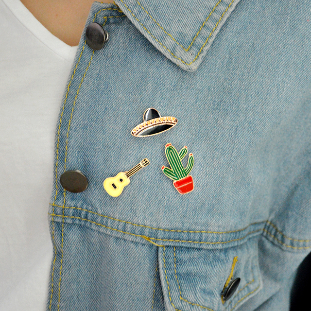 9 sets Cartoon Aminal Enamel Pins Weird cat Cute horse Play Rabbit Brooches for women Lipstick Lip print lapel pin badge Jewelry 4