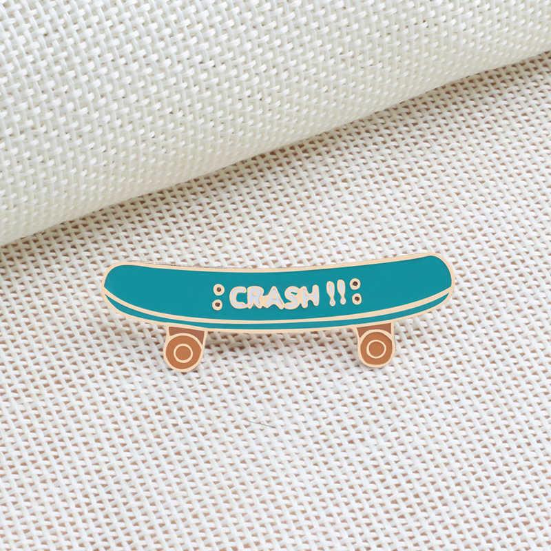 Tren Fashion Perhiasan Bros Pin Skateboard Sepatu Jari Lingkaran Keren Medali Emas Kemeja Denim Kartun Anak Perempuan Dekorasi Pesta