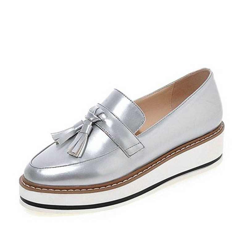 Vintage Women Flat Platform Shoes Tassel Spring Wedges Shoes Round Toe Oxfords Shoes For Woman Slip On Patent Leather Loafers