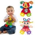 Brinquedos de Pelúcia do bebê Encantador Dos Desenhos Animados Cão Leão Padrão Meninas Infantil Brinquedo de Pelúcia Conforto Toalha com Papel de Som e Mordedor