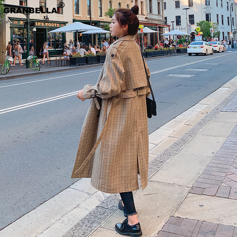 Hot selling vintage double breasted   trench   coat newest woman autumn plaid long coat British fashion turn-down collar overcoat