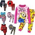NOVO 2017 meninos meninas pijamas pijamas família natal dos desenhos animados crianças conjuntos de pijama, as crianças sleepwear pijama da criança do bebê 2 t-7 t