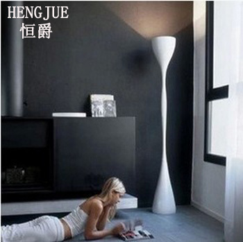 https://ae01.alicdn.com/kf/HTB1bqlIJpXXXXa8XpXXq6xXFXXXi/tv-kast-moderne-minimalistische-grand-hangen-naast-de-woonkamer-hal-verlichting-decoratieve-lamp-creatieve-cilindrische-staande.jpg_640x640.jpg