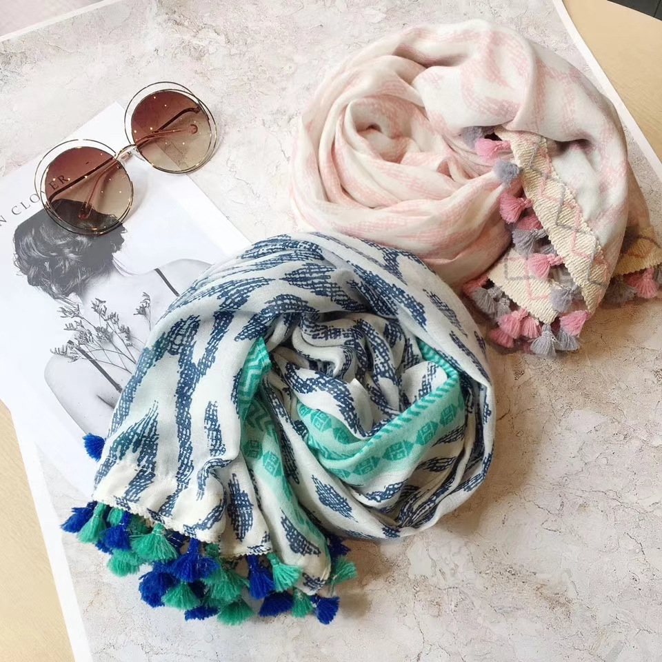2018 Newest Bohemia Style Geometry Pattern Tassel   Scarves   Shawls Women Cotton Rhombus Muslim   Scarf     Wrap   Hijab Free Shipping