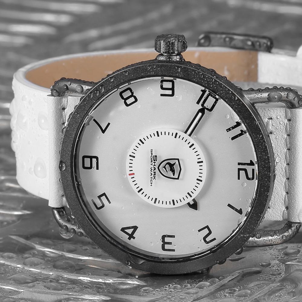 077e85683de Áspero do caribe Tubarão Relógio Do Esporte Branco Simples Lado Esquerdo Da  Coroa Girar Turntable Segunda Mão Couro Strap Relógios de Quartzo SH526