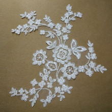 White Applique Patches Embroidered Flowers Floral Clothing Accessories Embroidery Lace Motif 10 pcs(5 Pairs) TT279