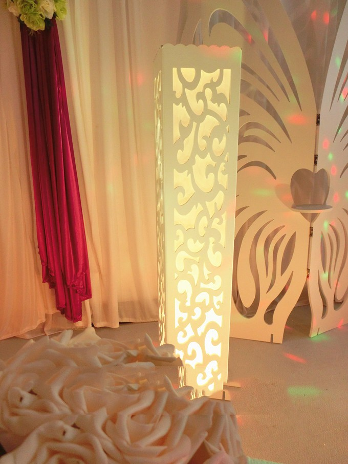 6pcs Luxury wedding t-road column resin plastic wedding decoration Wedding carved pillar stand with warm white LED light