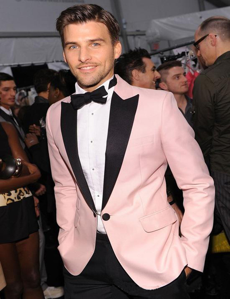 2018 Pink hombres traje novio boda Trajes moda chaqueta + Pantalones ...
