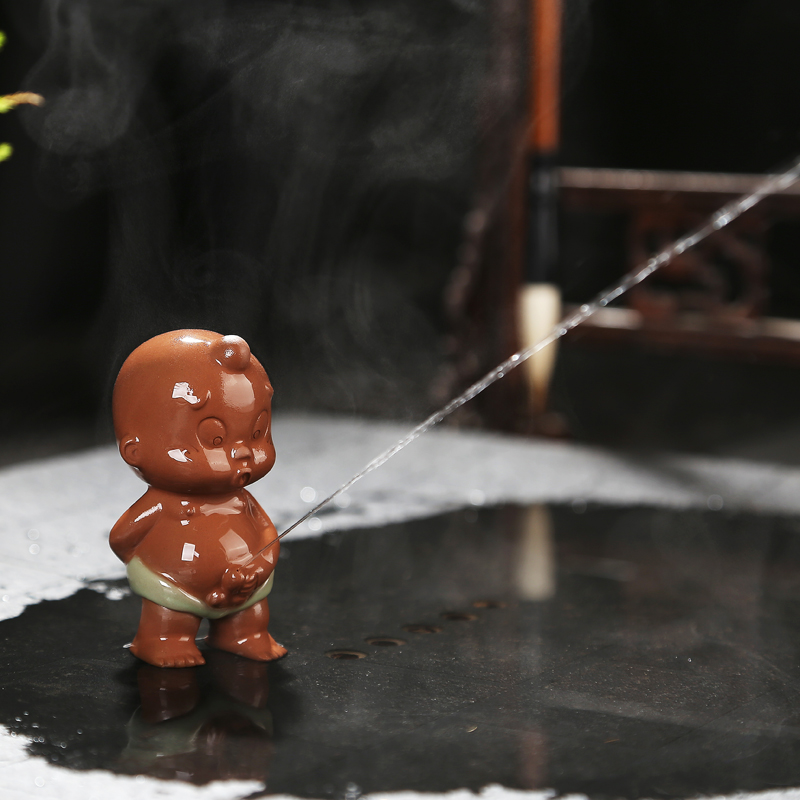 On Sales Porcelain Tea Pet Pee Doll Home Decoration Brother Kiln Crackle Glaze Tea Play On Tea Tray Creative Ornamnet Funny New