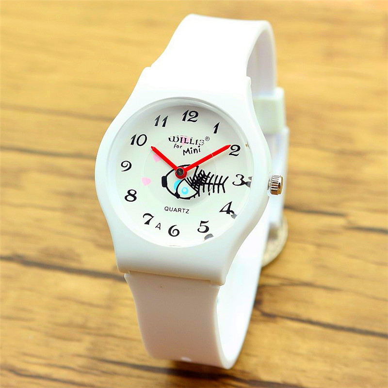 Hot Selling Women Man Promotion Gift Wristwatches Children Waterproof Cartoon Fish Quartz Watches All White Simple Watch