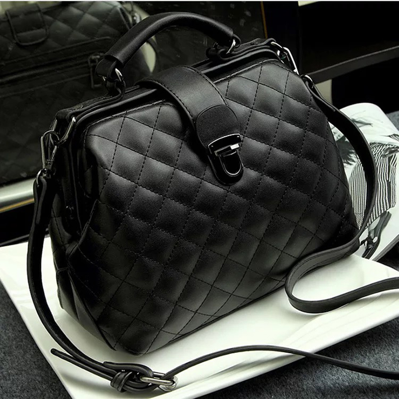 Women Handbag pu Leather Handbag Doctor Bag Women Shoulder Bag Small Plaid Rivets Crossbody Handbag Fashion Women BagsWomen Handbag pu Leather Handbag Doctor Bag Women Shoulder Bag Small Plaid Rivets Crossbody Handbag Fashion Women Bags