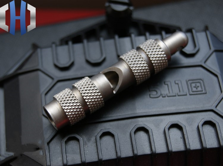 EDC Titanium Alloy TC4 Survival Whistle Burst Full Metal Outdoor Whistle Keychain Pendant Pendant Gift