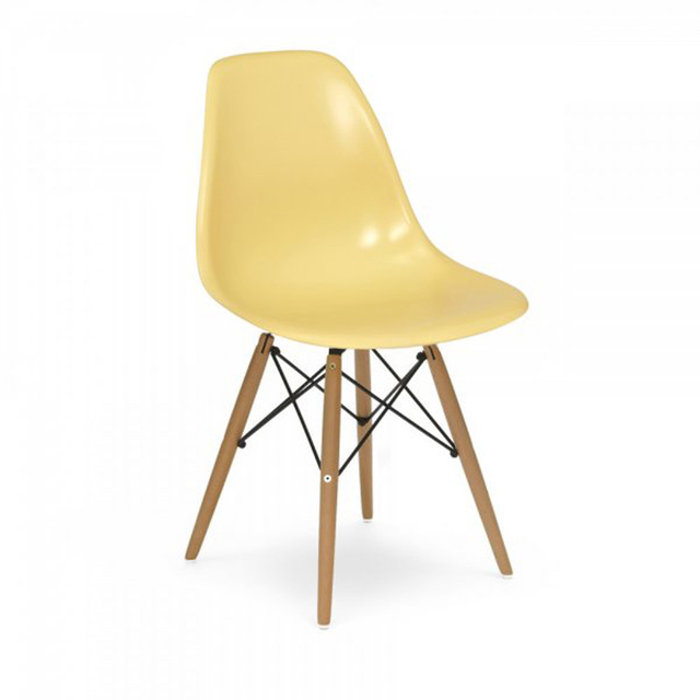 Lot of 4 PP Plastic Leisure Chairs for Cafe Color Cream