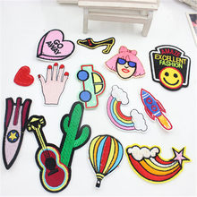 цена на 1 PCS Rocket Bracelet Embroidery Patch Embroidery DIY Striped Letter Rocket Heart Sticker Custom Badge