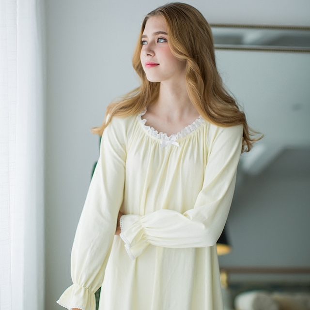2017 New Autumn Women's Long Yellow and White Pyjamas Home Cloth Lace Sleepwear 100%Cotton Vintage Women Nightgown Free Shipping