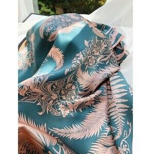 Image 1 - Châle carré en soie 100%, grand Foulard enveloppant de luxe pour femmes, écharpe de luxe, 110cm