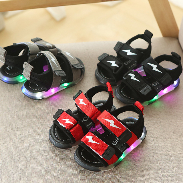 2018 New European LED cartoon colorful lighted children sandals Patchwork  Pu glitter kids shoes cute Lovely girls boys shoes e0584b5048dd