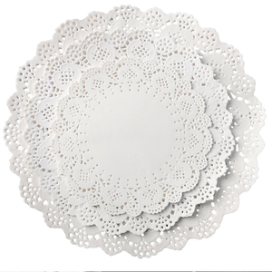 Image 1 - 32pcs/lot Placemat Wedding Baptism Birthday Party Cute White Round Lace Food Paper Mats Pads Craft Cake DIY Decoration