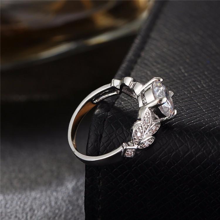 خاتم زفاف لون زهبي او فضي مع مكعب الزركون 5