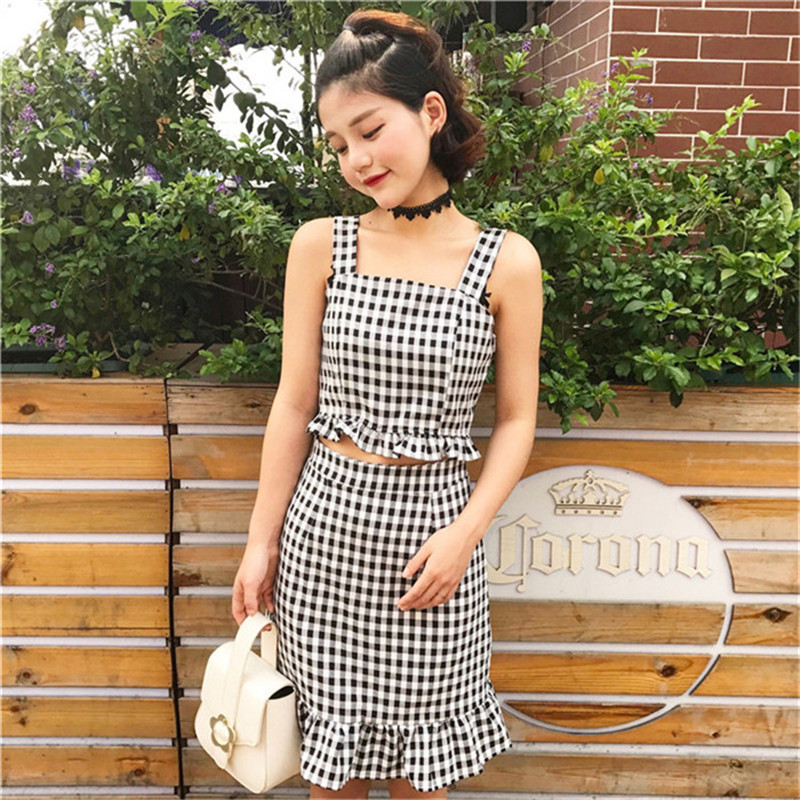 Trend Woman Store Off shoulder sleeveless crop top women and fishtail skirt set plaid cute temperament two piece set women black or pink