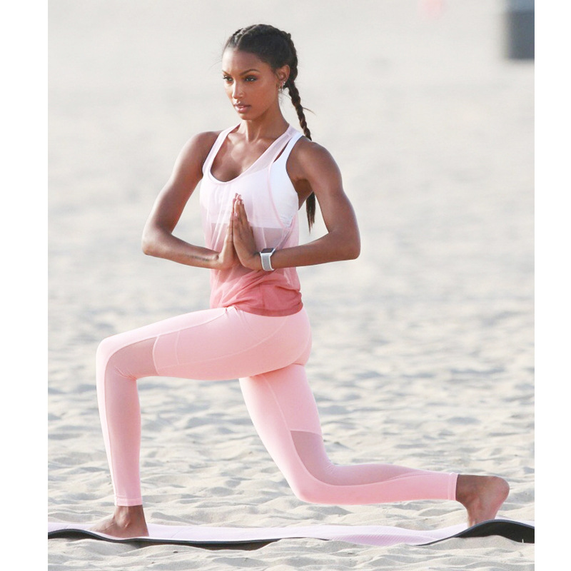 2019 Women Fitness Yoga Set T Shirt Bra Cropped Trousers Sport Set Gym Clothes 3 PiecesSport Wear Training Suit Quick Dry in Yoga Sets from Sports Entertainment